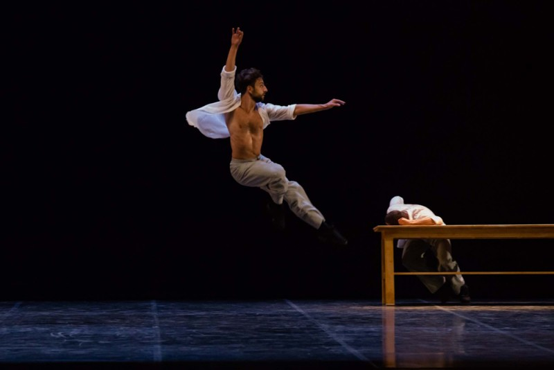 """If to leave is to remember"", coreografia Carolyn Carlson. Foto Rosellina Garbo"