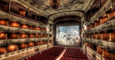 Il teatro in Toscana. Luci e ombre - a cura di Niccolò Lucarelli