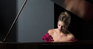 """TODI FESTIVAL, 32 esima edizione - """"LA PIANISTA PERFETTA"""", regia Maurizio Scaparro. -di Pierluigi Pietricola"""