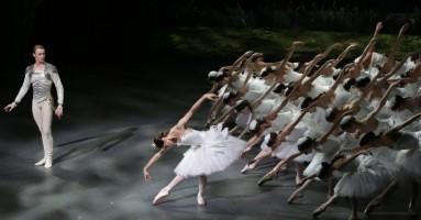 LAGO DEI CIGNI (IL) - Coreografia di Marius Petipa e Lev Ivanov. Messa in scena e integrazioni coreografiche di Alexei Ratmansky