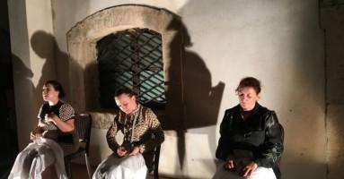 """3° EDIZIONE DEL CORTILE TEATRO FESTIVAL DI MESSINA 2019 - """"LA FELICITÀ"""", regia Nicola Alberto Orofino. -di Gigi Giacobbe"""