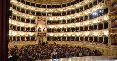 Sguardi critici su L'altra scena - Il Teatro GiocoVita fra didattica della critica e un nuovo percorso produttivo