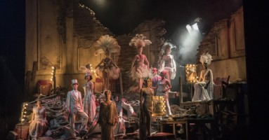 "(LONDRA). ""Follies"", regia Dominic Cooke - Splendore e nostalgia nel musical Follies di Sondheim. -di Beatrice Tavecchio"