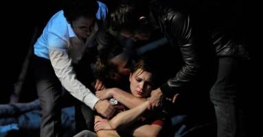 RUSSI AMANO LE BETULLE (I) - regia di Yael Ronen