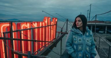 """(CINEMA - Festa del Cinema di Roma) - """"Il vizio della speranza"""" di Edoardo De Angelis. - Un fuoco ardente in un inverno gelido"""