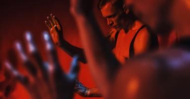 Lirismo e ferocia intensità nel trasformismo danzante del NDT1.-di Roberta Bignardi