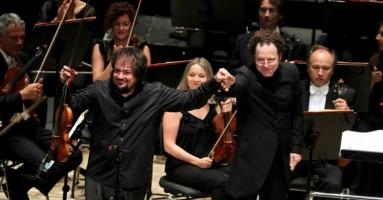 Sergej Krylov diretto da John Axelrod a Genova per la Festa della Repubblica