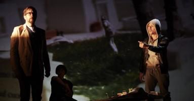 RITRATTO DI UNA DONNA ARABA CHE GUARDA IL MARE - regia Claudio Autelli