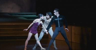 "Teatro ""Astana Opera"" - ""Notre Dame de Paris"" di Petit travolge il numeroso pubblico"
