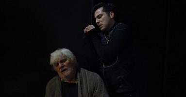 """Dal 5 novembre, a Roma Prima nazionale al Teatro Tordinona di """"Papà, sei di troppo"""" di Yannis Hott con Vincenzo Bocciarelli e Mario Mattia Giorgetti"""