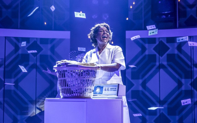"Sharon D. Clarke in ""Caroline, Or Change"". Foto Marc Brenner"