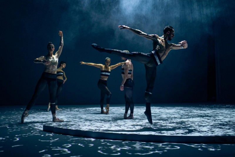"""New Ocean"", coreografia Richard Siegal. Foto Thomas Schermer"