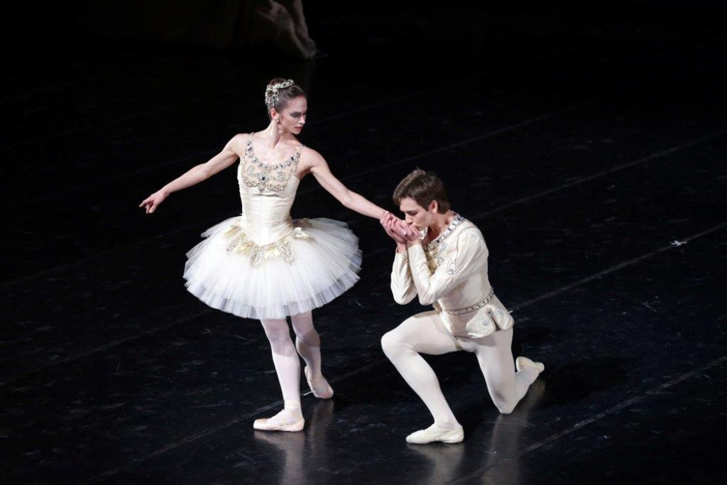 Jewels-Diamonds-Cor. George Balanchine © The Balanchine Trust Polina Semionova e Friedemann Vogel