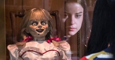 "(CINEMA) - ""Annabelle 3 (Annabelle Comes Home) di Gary Dauberman. Una bambola ci seppellirà"