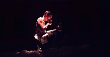"""40° Edizione ORIENTE OCCIDENTE 2020: """"UN PEEP SHOW PER CENERENTOLA"""", testo e regia Antonio Viganò. -di Federica Fanizza"""