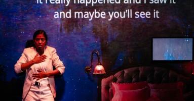 """(LONDRA). """"Midnight Movie"""" di Eve Leigh, regia di Rachel Bagshaw. Il bosco digitale ed il lupo corporeo: nuovo tema e originale messinscena. -di Beatrice Tavecchio"""