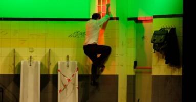 """54° Edizione del FESTIVAL TEATRALE DI BORGIO VEREZZI, """"TOILET"""", regia e interpretazione Gabriele Pignotta. -di Roberto Trovato"""