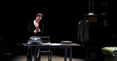 """VICENZA, Ridotto del teatro Comunale - """"OSCILLAZIONI"""" con Matteo Cremon. -di Francesco Bettin"""